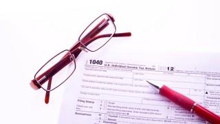 Příjmy a výnosy